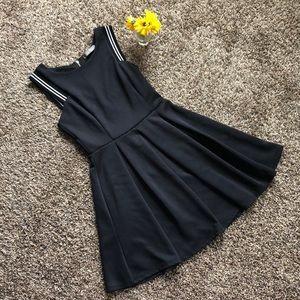 Finn & Clover   beautiful black dress
